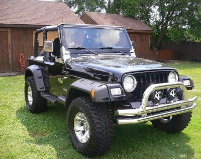 $2,255, Clean Jeep Wrangler
