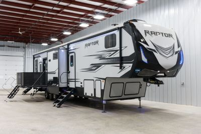 New 2018 Keystone Raptor 428 5th Wheel Toy Hauler Camper Tra