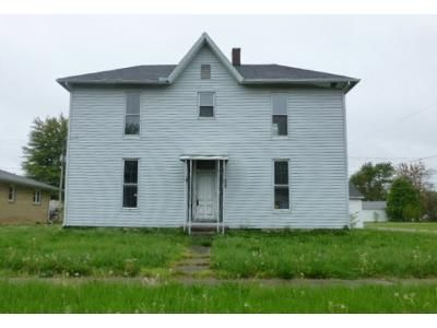 3 Bed 2 Bath Foreclosure Property in Sullivan, IN 47882 - N Court St