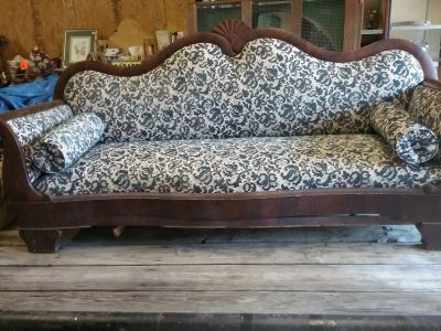 Early 1900 's Victorian Couch
