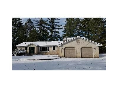 3 Bed 4 Bath Foreclosure Property in Grayling, MI 49738 - N Manistee River Rd
