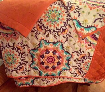 Lightweight Quilted Queen Comforter and 2 Shams NEW
