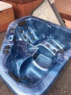 3person Hot Tub