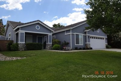 4 Bedrooms with a Den! Single Story Home in Rancho Vista!