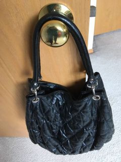 Roomy tote bag black faux leather quilted look