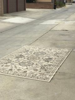 Rug (delivery available)