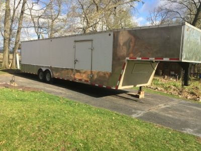 36ft United Enclosed Trailer