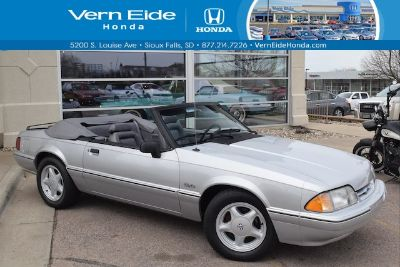 1993 Ford Mustang LX Limited (silver)