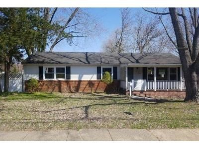 4 Bed 1 Bath Foreclosure Property in Clementon, NJ 08021 - 5th Ave