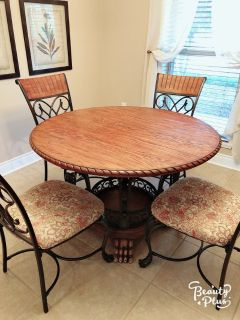 Dinning table and 4 chair