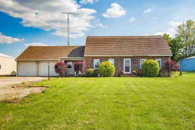 11437 E 150 S Road Oakland City, Very nice Five BR