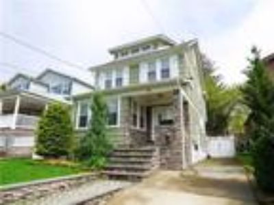 Grymes Hill Real Estate For Sale - Three BR, Three BA Single family