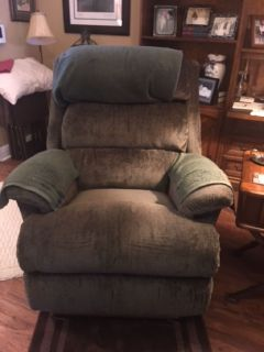 Lazy Boy recliners   300. or bo