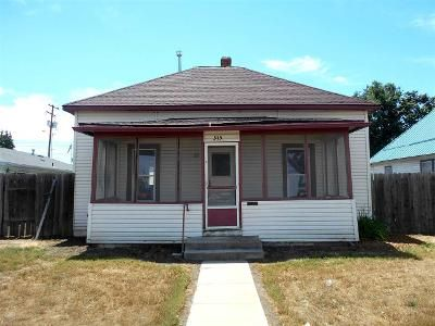 2 Bed 1 Bath Foreclosure Property in Emmett, ID 83617 - E Park St