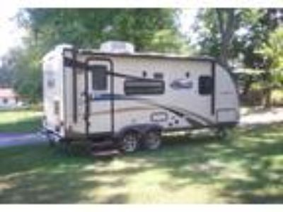 2014 Coachmen Freedom-Express Travel Trailer in St Louis, MO