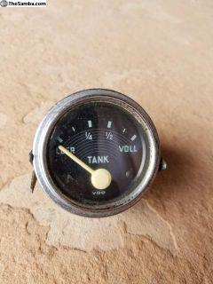 Accessory fuel gauge, 1958