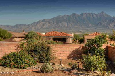 1975 W Camino Del Jurado Green Valley, Pristine Two BR