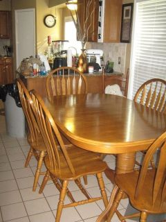 Solid wood dining table, 8 chairs and hutch: Reduced: