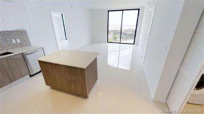 Brand new condo in Downtown Doral! Split floor plan 2 bedrooms 2 baths!!!