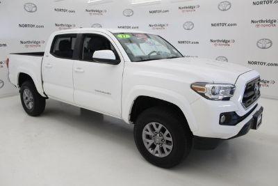2016 Toyota Tacoma SR5 (White)