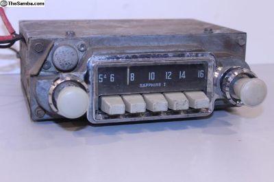Sapphire I Grey Knob 6V AM Radio Bus Ghia