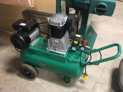 Grizzly G0471 13 gallon, 3 hp, 220V Air Compressor, Slightly used