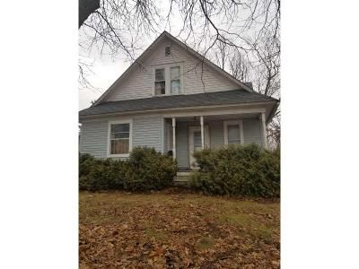 2 Bed 1.5 Bath Foreclosure Property in Oskaloosa, IA 52577 - N Market St