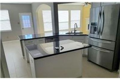 This rental is a Sugar Land apartment Cool Springs.