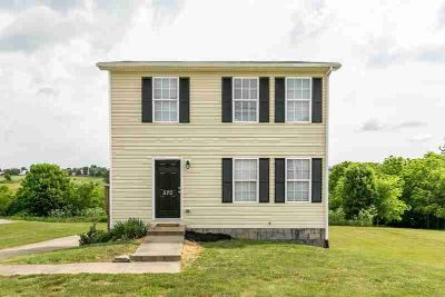 570 Jamie Ridge Drive Mount Sterling Three BR, Move in and enjoy