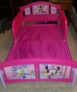 Minnie mouse toddler size bed