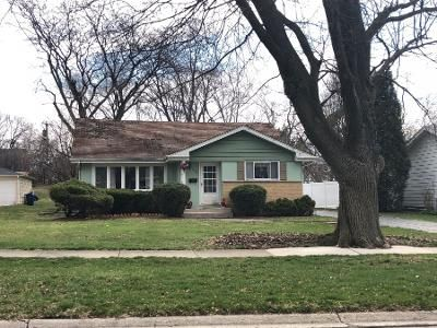 3 Bed 1.5 Bath Preforeclosure Property in Wheaton, IL 60187 - S Erie St