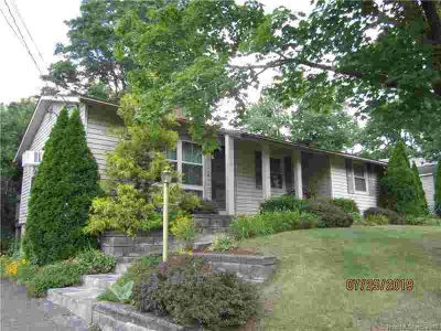 61 Applewood Drive MERIDEN Three BR, A perfect Starter or