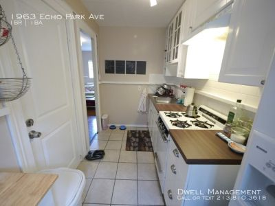 $2200 / 1br - Echo Park Bungalow, Wood Floors, Private Yard, Great Location! (Los Angeles)