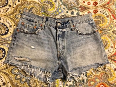 Levi s Jean shorts juniors size 29 or roughly size 8