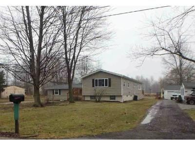 4 Bed 2.0 Bath Preforeclosure Property in Columbia Station, OH 44028 - Henwell Rd