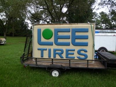 Large Lee Tire sign (lighted)