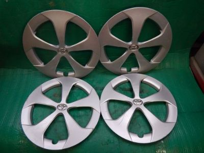 """Sell 2010-2016 TOYOTA PRIUS 15"""" WHEELS HUBCAPS STOCK OEM FACTORY CAPS PN# 42602-47060 motorcycle in Philadelphia, Pennsylvania, United States, for US $55.00"""