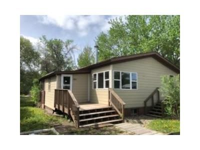 3 Bed 2 Bath Foreclosure Property in Fort Pierre, SD 57532 - W 1st Ave