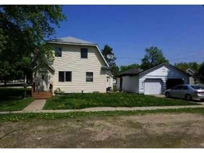 3 Bed 1 Bath Foreclosure Property in Northwood, IA 50459 - 4th Ave N