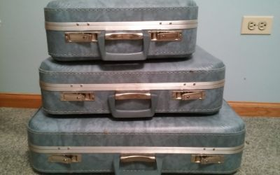 BLUE VINTAGE LUGGAGE