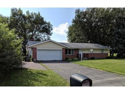3 Bed 1.5 Bath Foreclosure Property in Rockford, IL 61108 - Aura Dr