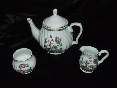 Pretty Vintage Tea set by Royal Oak made in China Indian Tree Motif