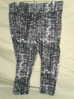 Women's work out/Capri pants. Size 16W. Danskin .Meet in Angleton