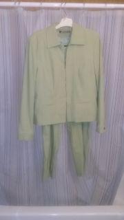 Ladies Sage Capri Suit Size 12