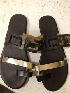 Cute sandals! New out of box! Size 8