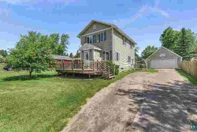 2520 Plymouth Ave DULUTH, Welcome to ! This beautiful Three BR