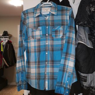 Aeropostale button up- Large