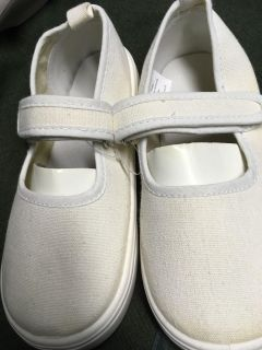 New canvas MaryJanes toddler size 10