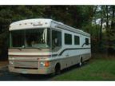 1998 Fleetwood Bounder Motor Home