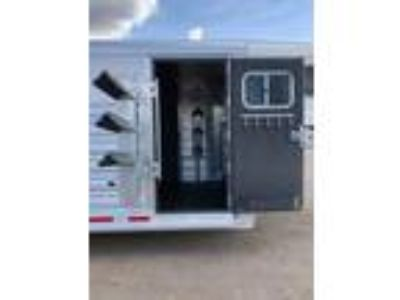 """2019 Platinum Coach 25' Stock Combo 7'6"""" wide..SWING OUT SADDLE RACK!"""